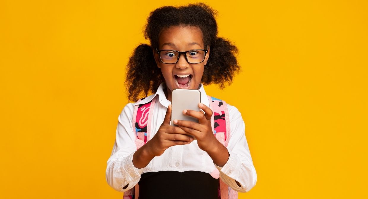 What Age Should Kids Get a Phone? 4 Questions to Consider